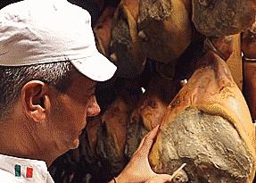 Đùi lợn muối Parma trứ danh của Italy được sản xuất thế nào?