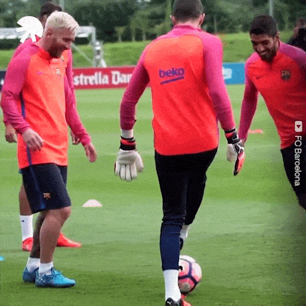 Khi Messi cung cac sao lam be mat dong doi bang sieu ky thuat hinh anh