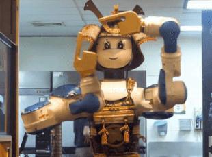 Robot phuc vu ban da nang trong nha hang o Thai Lan hinh anh